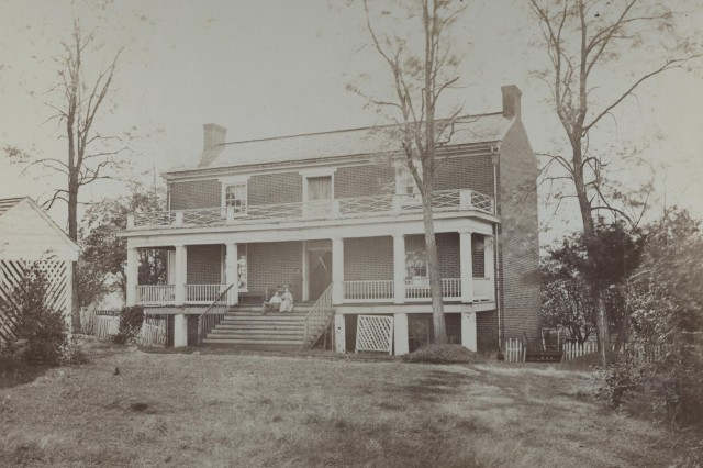 """The Wilmer McLean house in Appomattox, Virginia, where Generals Ulysses S. Grant (US Army) and Robert E. Lee (Confederate) met."""""""