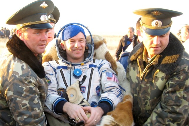 Army Astronaut Returns to Earth