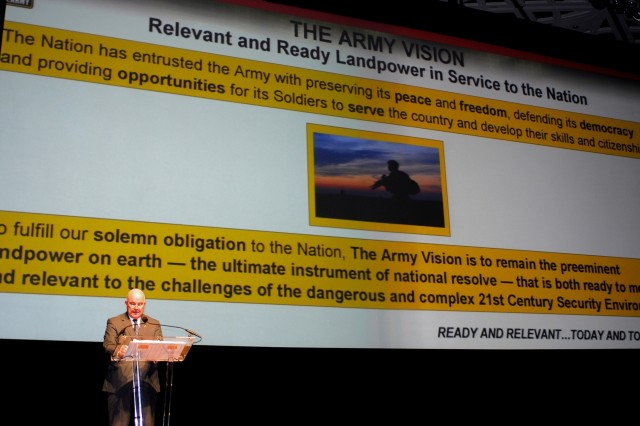 Army Secretary addresses Soldiers at AUSA annual meeting
