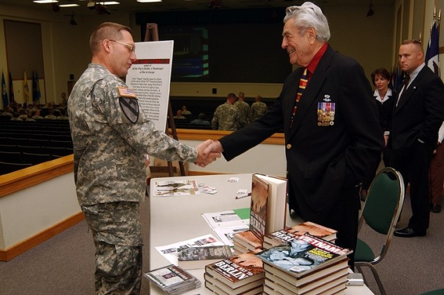 """Jim Magellas, the 82nd Airborne Division's most decorated Soldier, met Oct. 20 with Fort Knox, Ky., Soldiers. The division presents its """"most outstanding"""" lieutenant with the Jim Magellas Award yearly."""