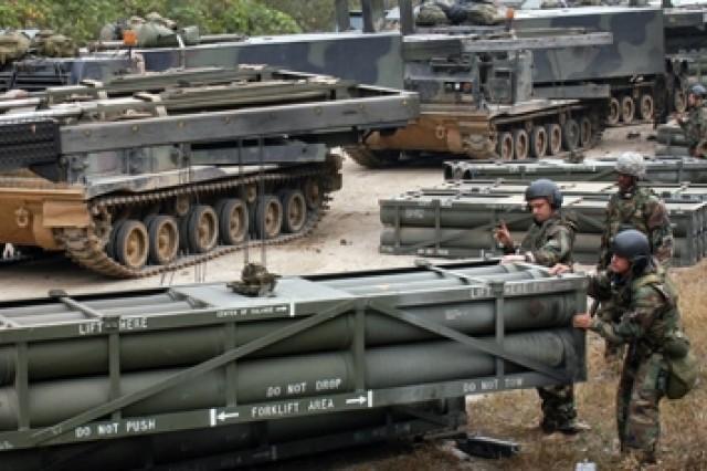 6-37 FA qualifies on MLRS Unit