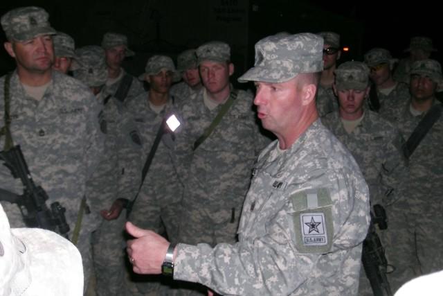 Preston visits Soldiers in Kuwait