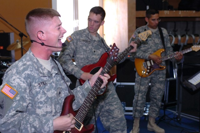 1st Cav. Div.'s 'Amber Tight' rocks for troops