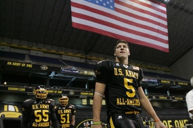 Players take the field before a crowd of more than 31,000 for the 2006 U.S. Army All-American Bowl. The 2007 event will be played Jan. 6 in Texas.