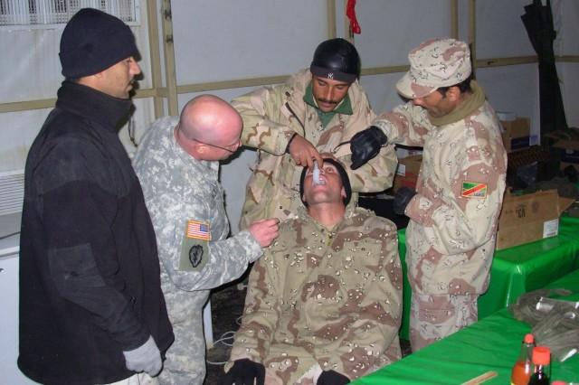 Cavalry Teaches Iraqis Advanced First Aid