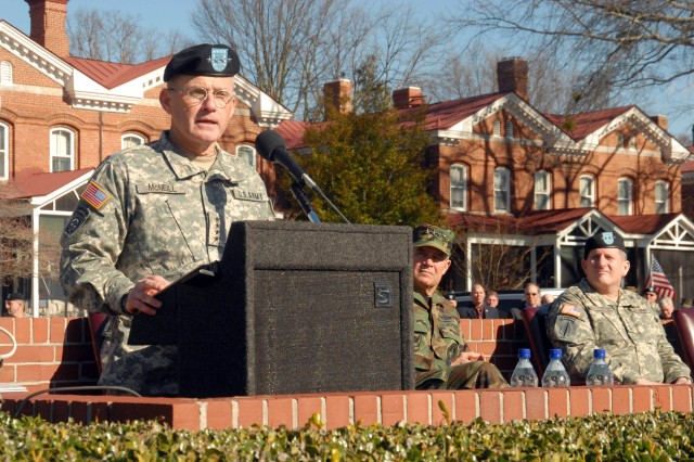 Gen. Dan McNeill bids farewell to FORSCOM.
