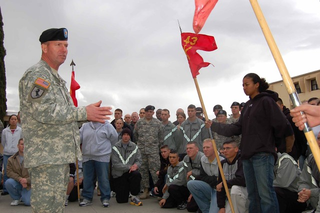 SMA Preston talks with 43rd ADA at Fort Bliss, Tx.
