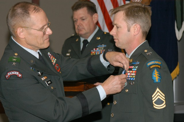 Green Beret Awarded Silver Star for Action in Iraq