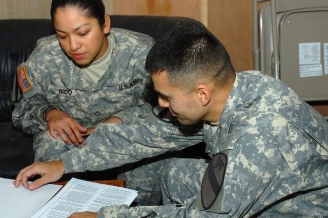 Retention NCOs, Career Counselors Dispel Reenlistment Rumors