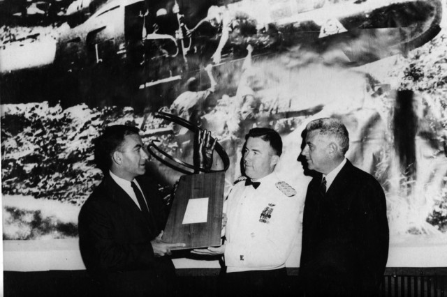 Bruce receives the Helicopter Heroism Award at the Aviation Space Writers Association, Las Vegas NV 1967.