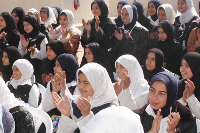 Engineers build high school in northern Baghdad