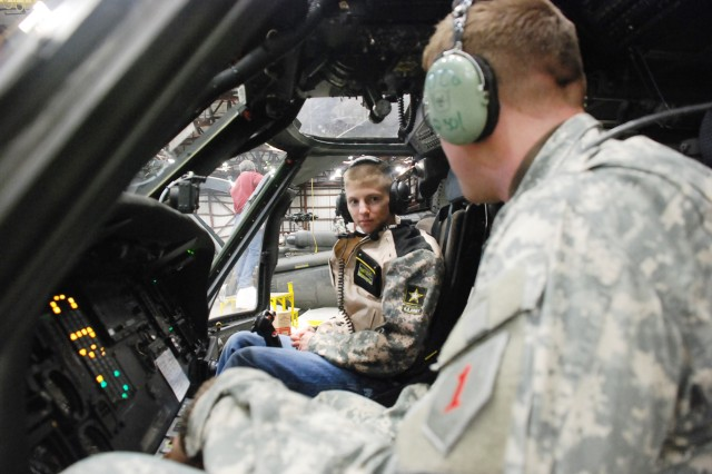 Students Shadow Fort Riley Aviators