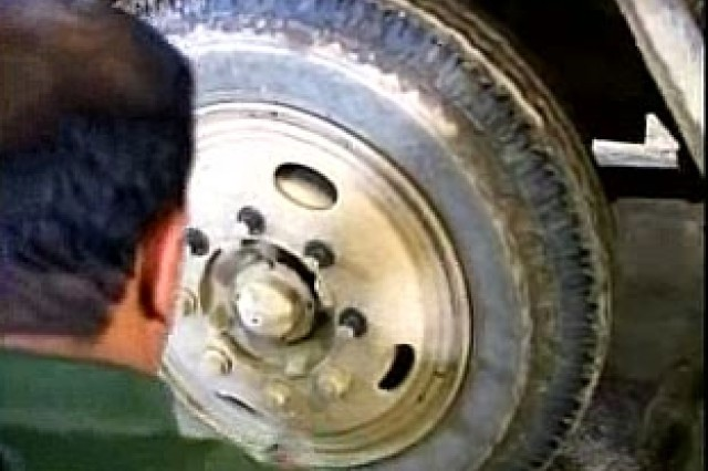 Iraqi teams learn to repair and maintain their vehicles.