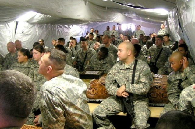 Paratroopers Attend Afghan Cultural Awareness Class
