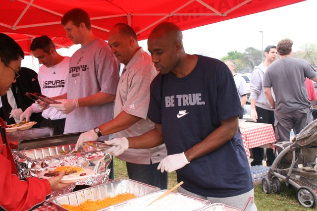 Spurs Serve Wounded Warriors at Barbecue - Soldiers' Hunting Trip Reaps Tasty Results