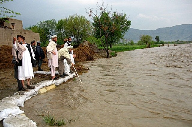 Afghan Government, Coalition Aid Flood Victims