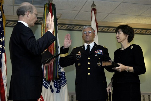 Gen. George W. Casey Jr. swears in as the 36th Army chief of staff, following the change of responsibility ceremony at Fort Myer, Va., April 10. Gen. Casey took over as chief of staff from Gen. Peter J. Schoomaker in a ceremony hosted by Pete Geren, acting secretary of the Army.