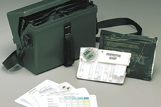 The M256A1 is used to detect and identify blood, blister and nerve agents present either as liquid or as vapor. May be used to determine when it is safe to unmask, to locate and identify chemical hazards (reconnaissance), and to monitor decontamination effectiveness.The M256 is not an alarm; it is a tool used after soldiers have received other warnings about the possible presence of chemical warfare agents, and have responded by putting on their chemical protective clothing.