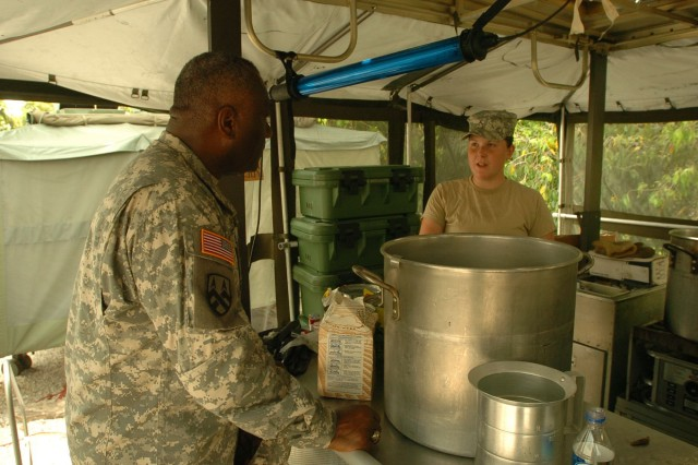 Logistics Soldiers Support Tradewinds 2007