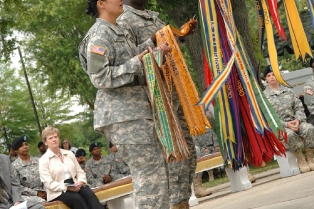 Fort Lee conducts Army Birthday streamer ceremony