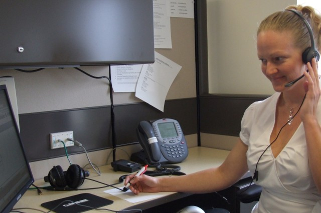 Army's Medical Hotline Serves Soldiers, Families
