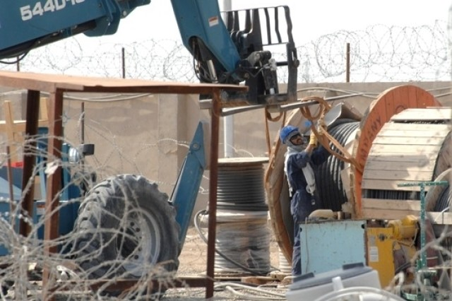 Iraq Rebuilding Shifts from Western Contracts to Iraqis