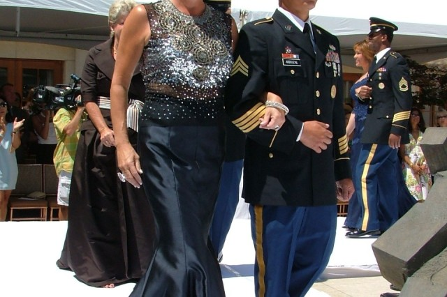 Soldiers Participate in Chicago Fashion Show