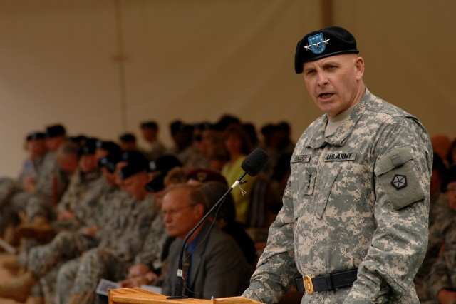 HEIDELBERG, Germany -- Lt. Gen. Kenneth W. Hunzeker assumed command of V Corps during an Aug. 8 ceremony here.