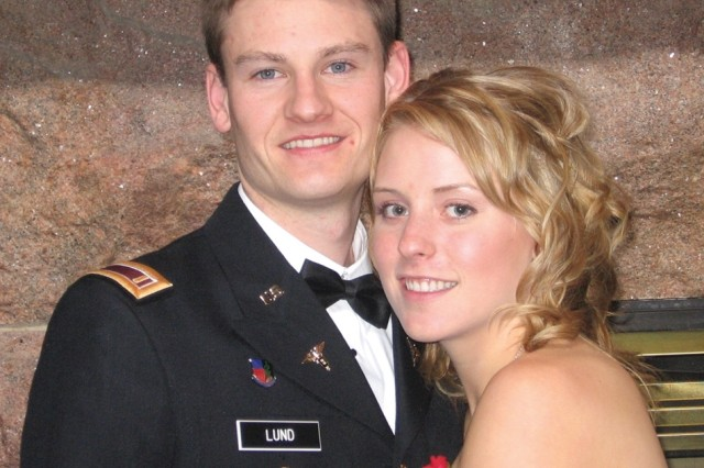 Second Lt. Nathan Lund, an Army Reservist attending the University of Minnesota Dental School, and his wife, Christine, a registered nurse, rushed to help the injured Aug. 1 when the I-35 bridge across the Mississippi River in Minneapolis, Minn., collapsed.