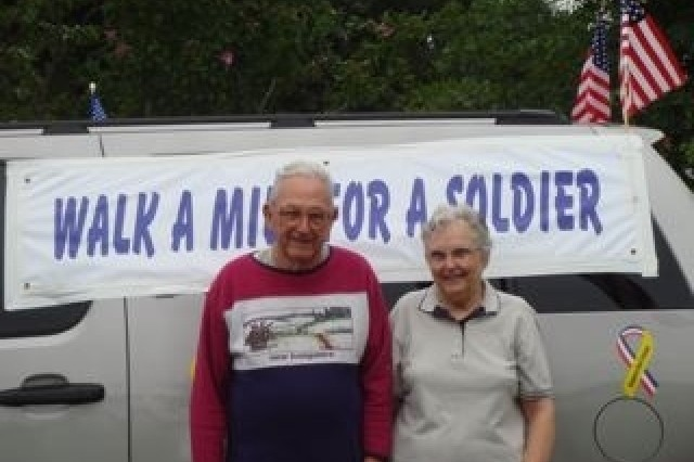 Jim and June Joyce came out to meet us, Jim is a retired U.S. Navy WWII vet. Happy 60th Anniversary!