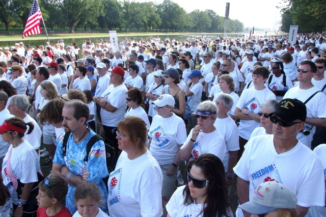 More than 10,000 America Supports You National Freedom Walk participants assemble near the Lincoln Memorial in Washington, D.C., Sept. 9. The event honors the memory of those lost in the 9/11 attacks.