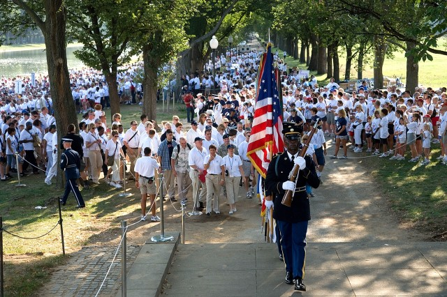 The beginning of the America Supports You National Freedom Walk, on the National Mall, Sept. 9, 2007. The third annual walk started at the Lincoln Memorial and concluded at the Pentagon, commemorates those lost on Sept. 11, 2001, and honors veterans past and present.