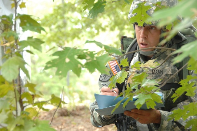 Competitor Sgt. Patrick Mann negotiates the Urban Warfare Orienteering Course during the 2007 Noncommissioned Officer/Soldier of the Year competition Oct. 3 at Fort Lee, Va.""