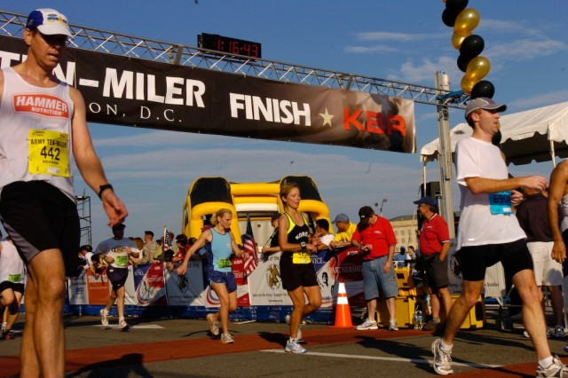 8th Army Women first in Army Ten-Miler