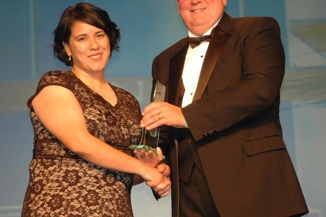 RDECOM's AMSAA engineer honored at HENAAC's 19th Annual Awards Conference
