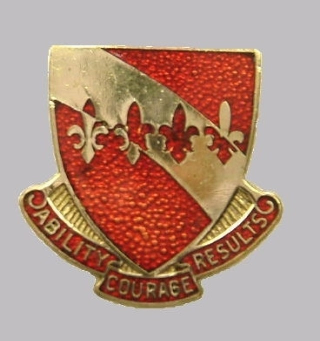 Distinctive Unit Insignia of 35th Engineer Battalion