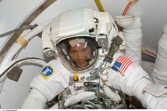 Army Astronaut Preps for Space Walk