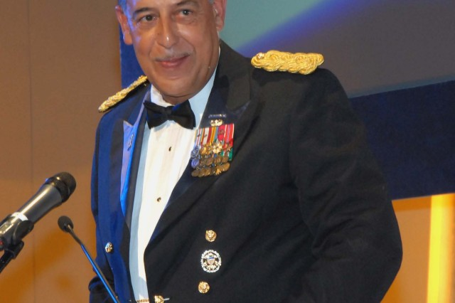 Lt. Gen. Russel L. HonorAfA, commander of First U.S. Army, speaks at the Thurgood Marshall College Fund's 20th Anniversary gala Monday in New York where he received the Fund's Alumni Leadership Award.