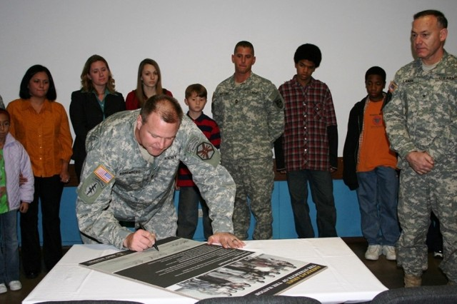 Bamberg Supports Army Family Covenant Signing