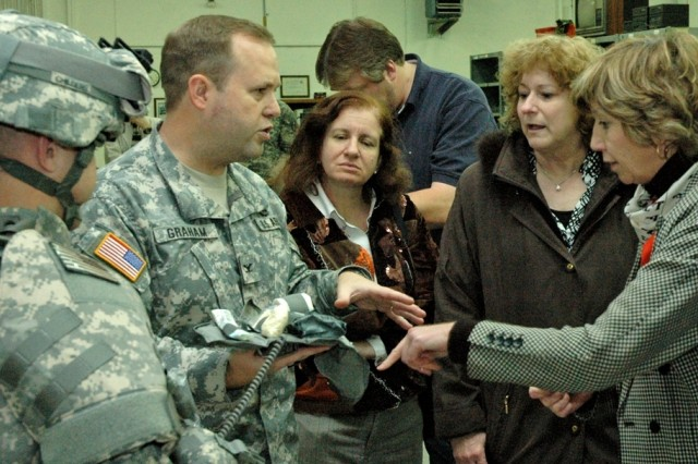 Workshop Teaches Teachers about Army Life