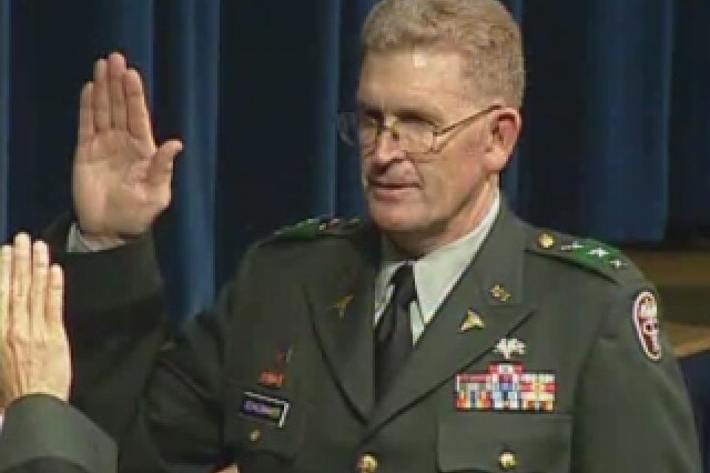 Lt. Gen. Eric Schoomaker being sworn in by Gen. George Casey