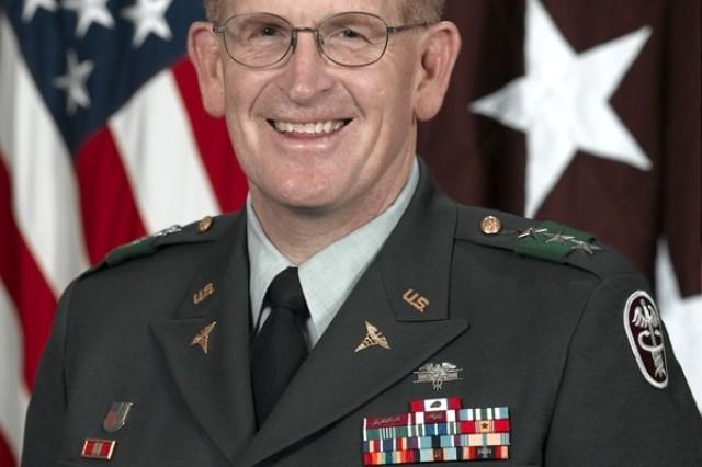 LTG Eric B. Schoomaker Becomes Commander, Army Medical Command