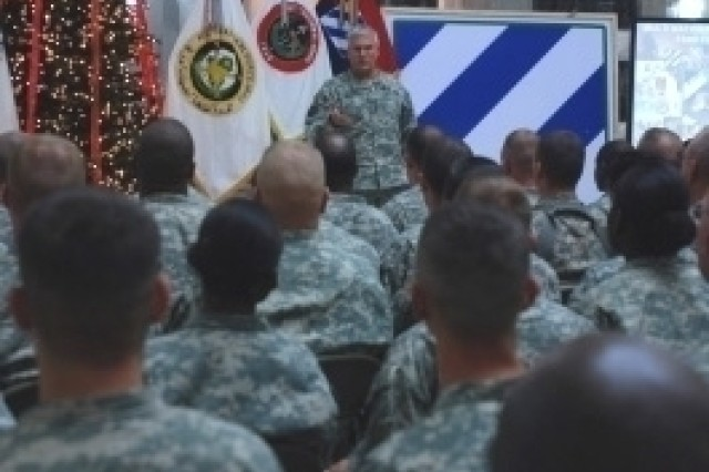 Chief of Staff Re-enlists Soldiers in Iraq
