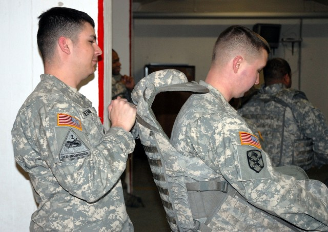 Soldiers Try out Army's Improved Body Armor