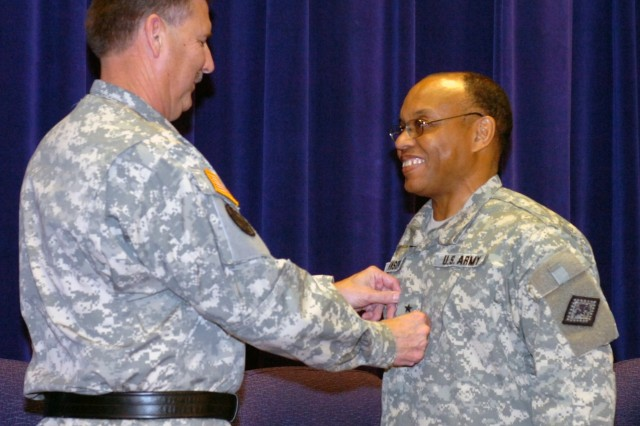 Arkansas Guard promotes first African-American general