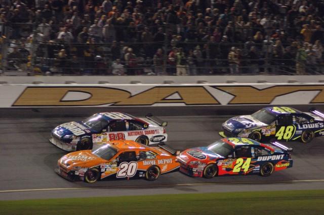 Guard Car Wins Daytona's Shootout, Martin Takes 8th