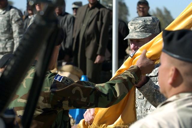 El Savador's CuscatlAfA!n Battalion welcomes its newest rotation