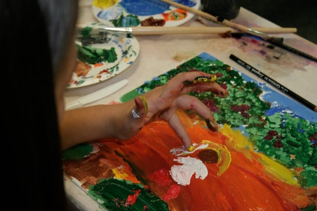 """Tripler Army Medical Center's """"Oncology on Canvas"""" is a way for those touched by cancer to express their emotions through art, according to Pat Nishimoto, adult oncology clinical nurse specialist and event coordinator.  Courtesy photo by"""