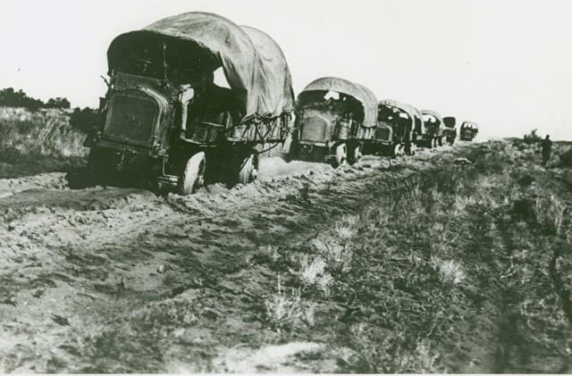 Keep on Truckin', 1916 style.