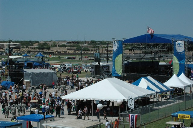 "Thousands Fort Hood, Texas, families and friends enjoy the ""Salute to our Heroes"" event on the April 11."